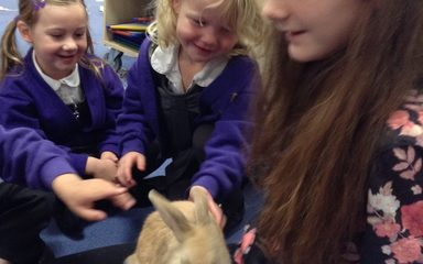 'Lottie' visits Early Years