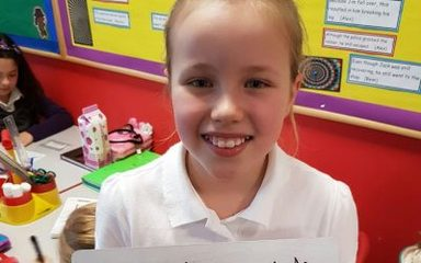 Ashleigh making up some bizarre sentences which contain words with the 'ate' sound and spelling.