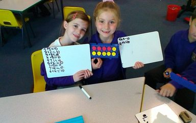 Using ten frames to derive number facts to 10.